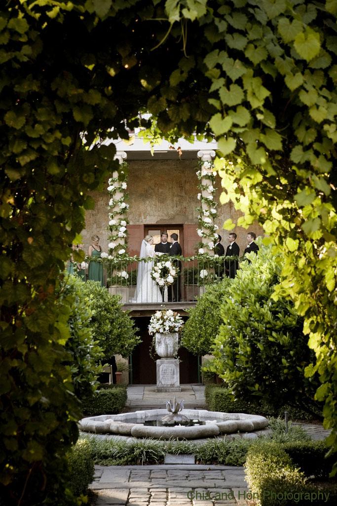 Savannah wedding floral event a secret garden made divine for Secret garden designs